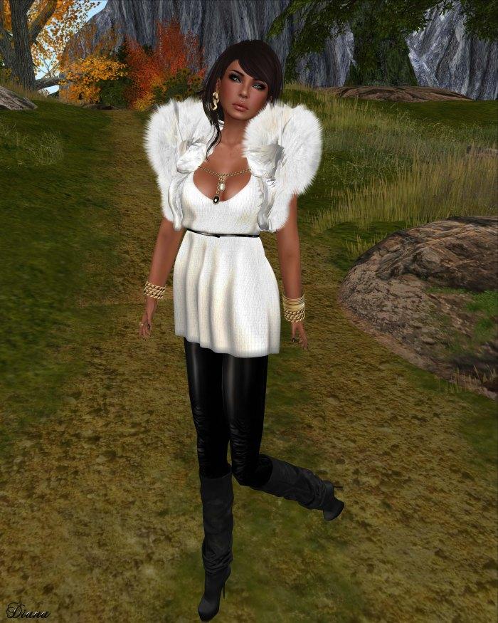 Indyra Originals - Claudette Top snowflake and Shrug birch