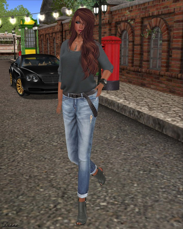 Maitreya - Half Tucked Shirt Smoke and BF Jeans & Belt Faded