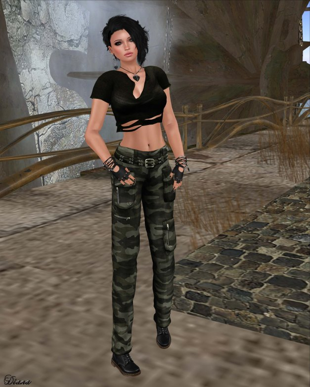 Immerschoen - Ripped Tank Top and Cargo Pants-1