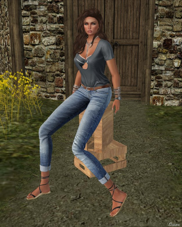 Addams - Kim Loose T-Shirt wBra and Ginger Boyfriend Jean wBelt