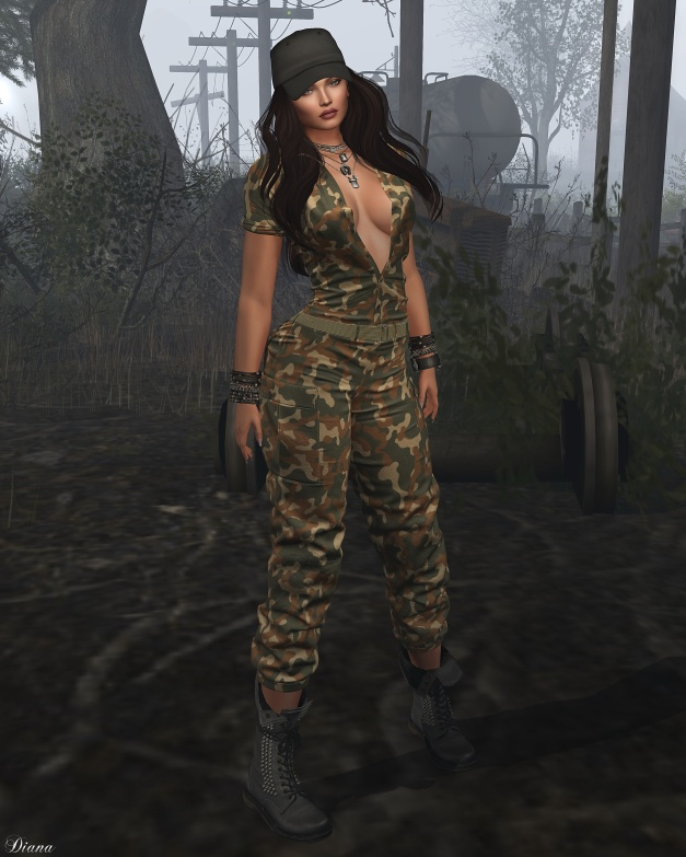 addams-stefani-military-suit-2
